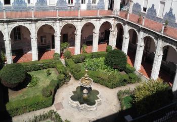 claustro Hospital Santa Marta